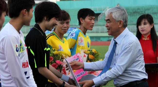 Khai mạc giải bóng đá vô địch nữ Quốc gia Cúp Thái Sơn Bắc 2015: CLB TPHCM giành chiến thắng trong ngày ra quân