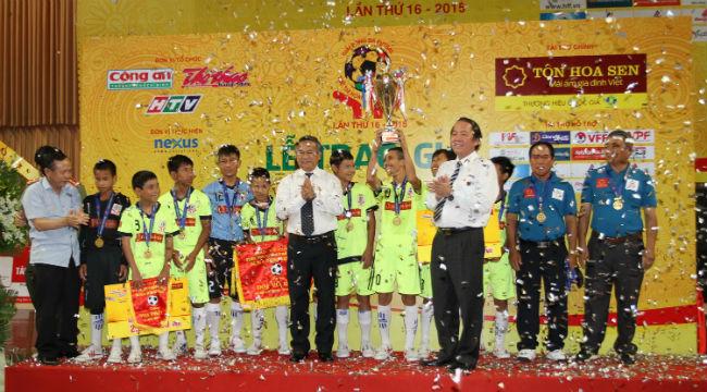 Kết thúc giải bóng đá (Futsal) trẻ em có hoàn cảnh đặc biệt lần thứ 16 – Cúp Tôn Hoa Sen  2015:  Gia Lai đoạt Cúp vô địch
