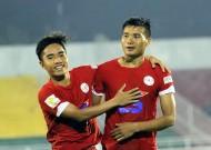 Vùi dập Phú Yên 5-0, TP.HCM tạm leo lên ngôi đầu bảng xếp hạng