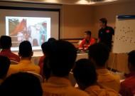 U19 Việt Nam chia sẻ với mất mát của đồng bào miền Trung bị lũ lụt